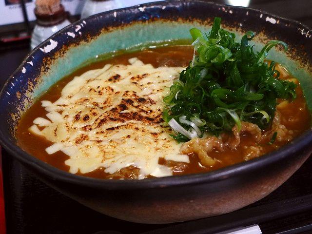 たまに無性に食べたくなるイリコ出汁ベースの絶品カレーうどん  淀川区  「白庵」