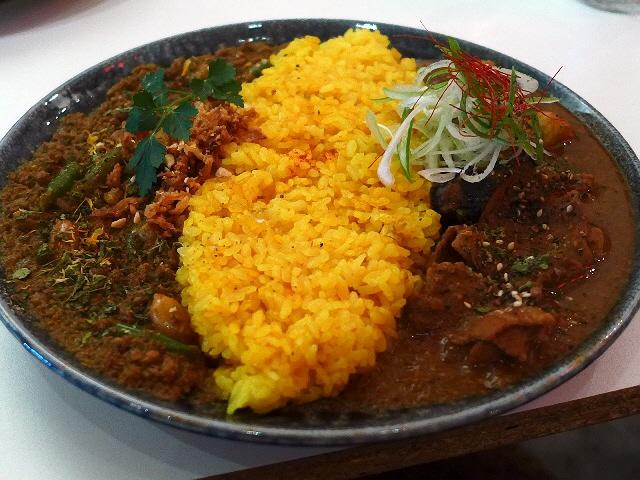 どんどんレベルアップしている超本格スパイスカレー!  裏谷四  「currybar nidomi(カレーバー ニドミ)」