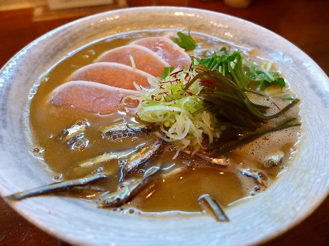 鶏白湯と煮干が見事に融合した感動的な味わいの限定麺!  守口市  「麺や しき」