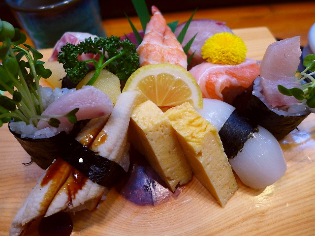 地元で絶大に支持される美味しくて安くてボリューム満点のお寿司屋さん  奈良市富雄  「すし処 鮨田」