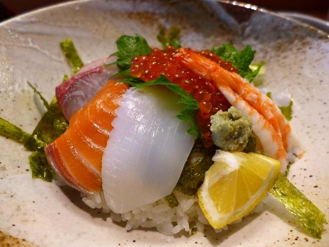 輝かしい経歴を持つ人気和食店のお値打ち海鮮丼!  北新地  「福の根 北新地本店」