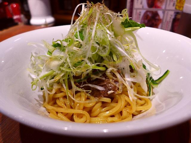 熟成肉入りの名物肉そばは癖になる味わいです!  堂島  「ザ・エイジングハウス1795」