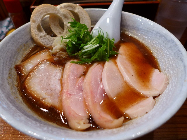 体に優しい無添加スープが絶品!平日でも大行列の超人気店!  兵庫県尼崎市  「和海」