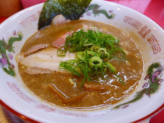 鶏の旨味が凝縮した超濃厚の限定ラーメン!  兵庫県 「ラーメンたんろん」
