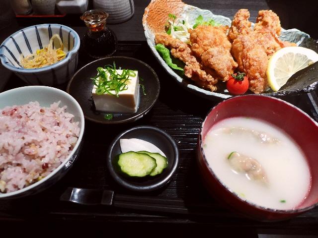 餃子鍋の専門店の超人気の絶品鶏の唐揚げランチ!   北新地  「餃子鍋 A-chan 北新地」
