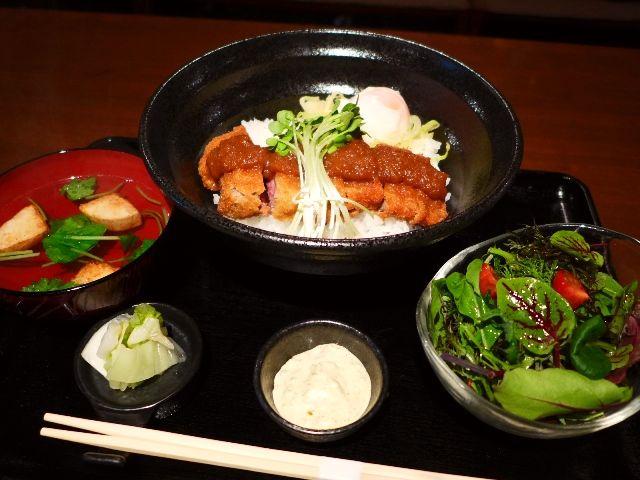 串揚げ屋さんの絶品ビフカツ丼ランチは超お値打ちです!  中津  「SOUI串風(そういくふう)」
