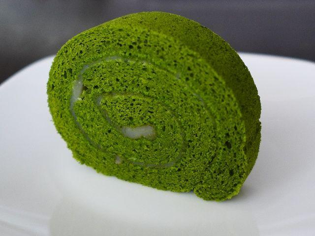 Mのおやつ  最高級抹茶を贅沢に使った抹茶ロールは大人の味わい!  京都  「清水一芳園 京都本店」