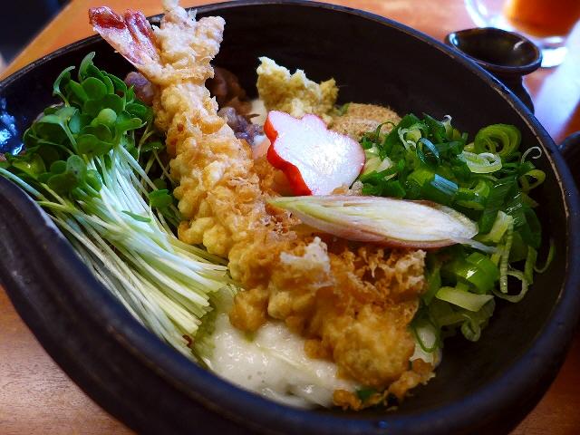 新メニューのぶっかけうどん!温かい麺はもっちりモチモチで最高でした!  大阪木津卸売市場  「うどん 大和」