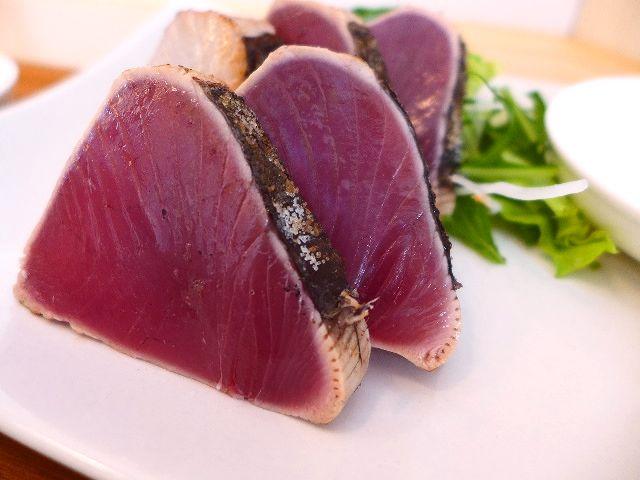 高知直送!本場と同じ超新鮮な生かつおのたたきが塩で味わえます!  新大阪  「yanaken boo(ヤナケン ブー)」