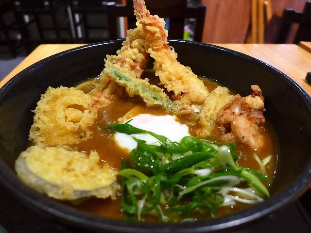 絶品カレー出汁と豪華な天ぷらで満足度が高すぎるカレーうどん!  吹田市  「讃岐うどん  四八」