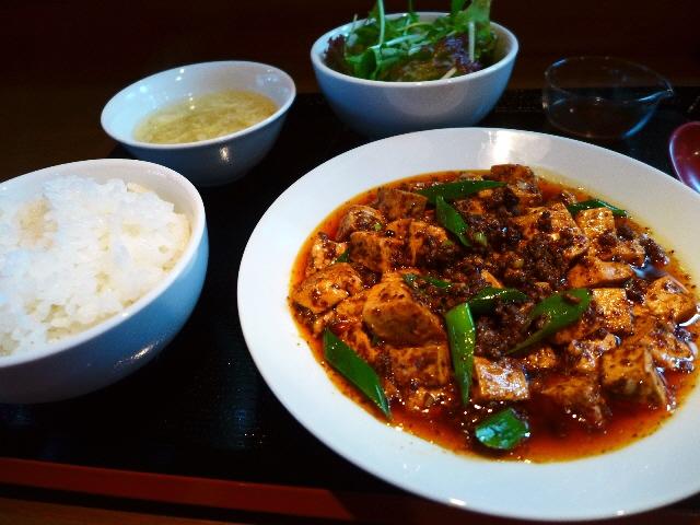 ホテル仕込みの高級感と旨みと辛味のバランスがが絶妙の本格麻婆豆腐!  池田市  「中華だいにんぐ ひめちゃん」