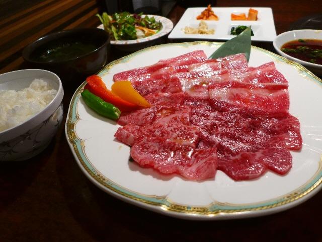 神戸牛の焼肉ランチが破格!柔らかくて甘くてもたれない超高級肉に感動!  鶴橋  「牛一 新館」