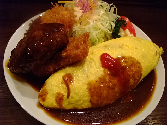 大人気の本格洋食店 大阪駅前第4ビル 「グリル欧風軒」