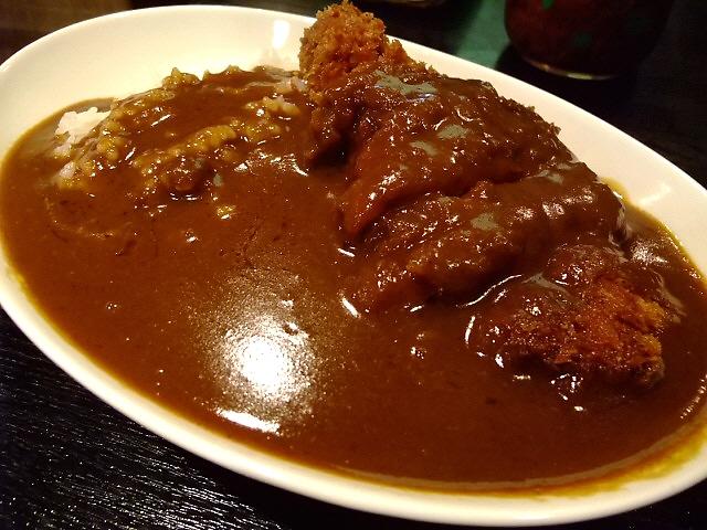 洋食屋さんの超濃厚ボリューム満点カツカレー 住之江区 「味の洋食 とん助」