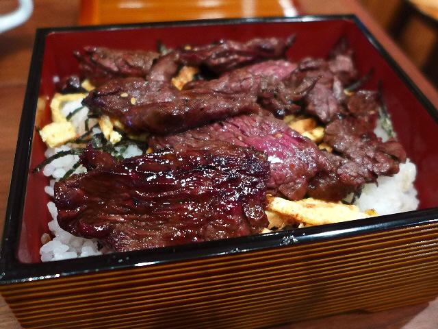 南船場御肉のボリューム満点ガッツリお肉ランチがいただけます! 福島区 「パシオン・エ・ナチュール 福島店」