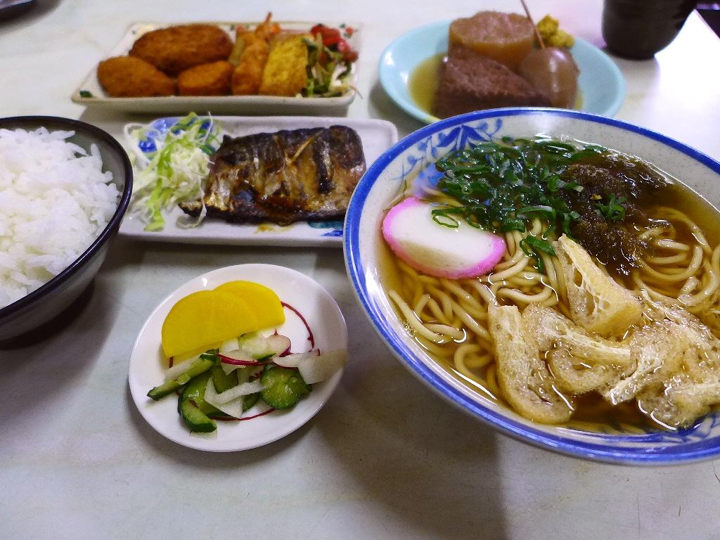愛情という隠し味が溢れています!昭和の空気が漂う人情食堂!  中央区高津 「高津屋食堂」