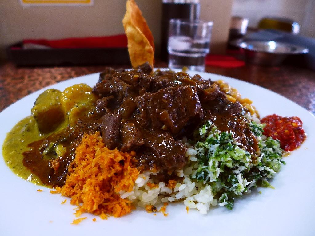 スリランカの本格郷土料理!やっぱり旨すぎます! 西区千代崎  「ロッダグループ」