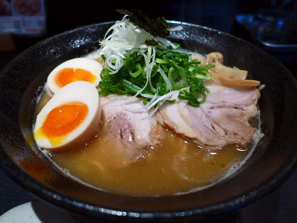 鶏の旨味が凝縮した完成度の高い濃厚鶏白湯! 大正区 「Antaga大正」