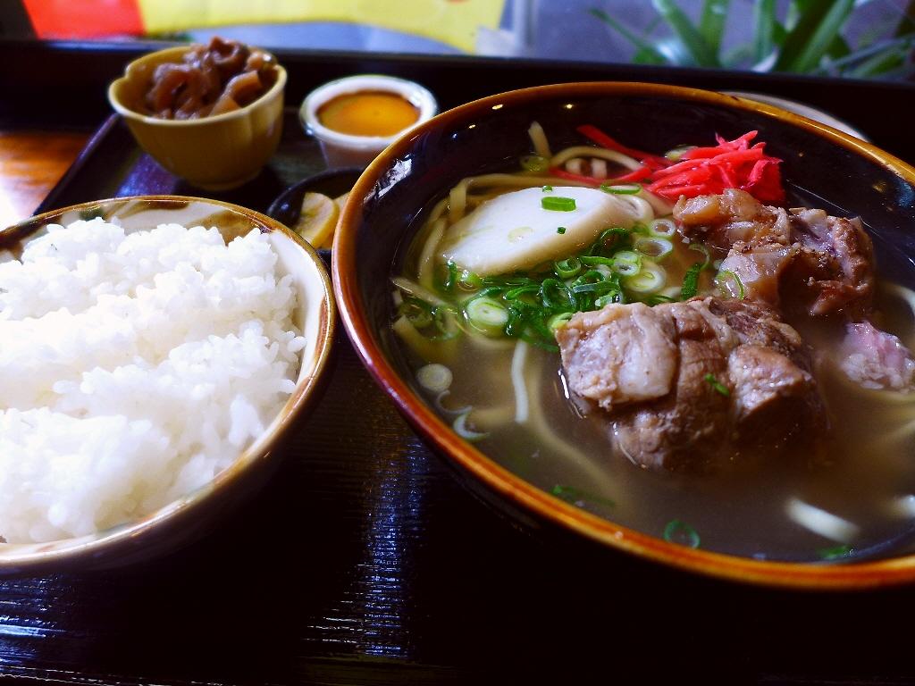 味も雰囲気もそのまんまの沖縄が楽しめます! 大正区 「いちゃりば」