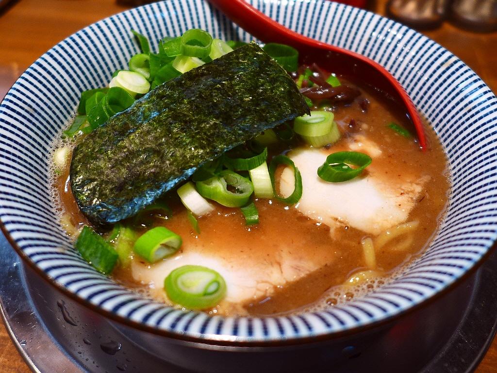 絶叫するほど旨い!超濃厚豚骨魚介のWスープ! 都島区 「ラーメン 豚きん」