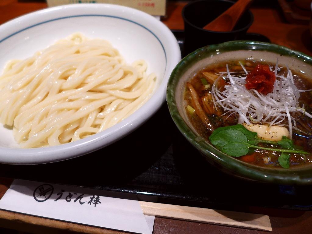 熱盛りでいただくオリーブ牛のつけ麺は満足感が高すぎます! 大阪駅前第3ビル  「うどん棒 大阪店」