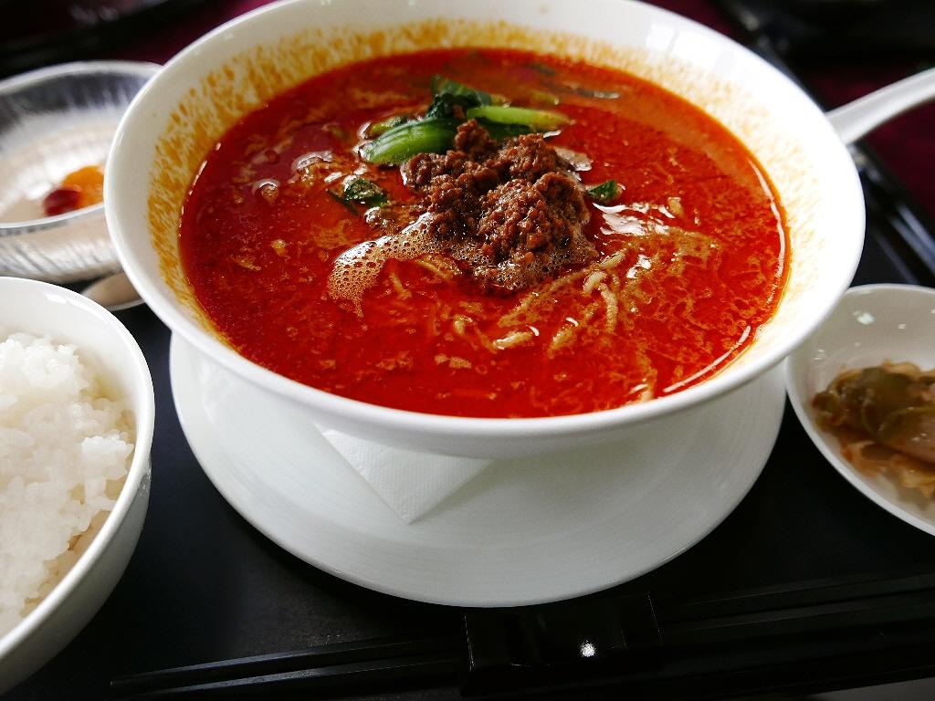 雨の中のゴルフでしたが・・・料理の鉄人プロデュースの絶品担々麺でご機嫌です(^^ 茨木市 「茨木国際ゴルフ倶楽部」