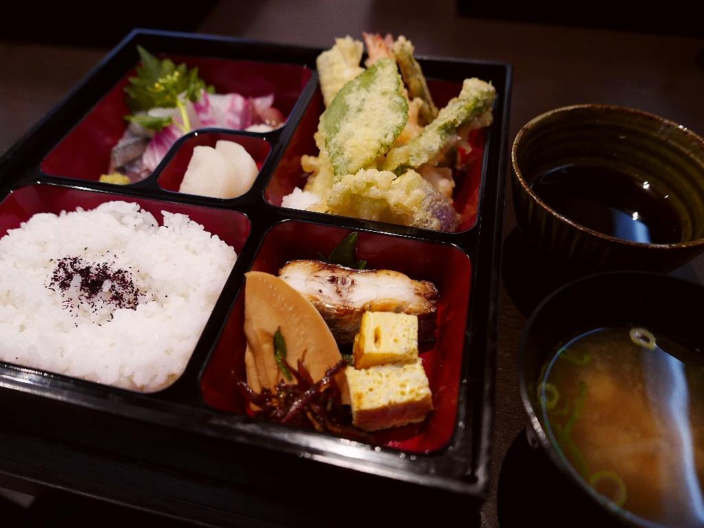 本格派の天ぷらがいただけるお値打ちの松花堂弁当! 奈良市大宮町 「和庵」