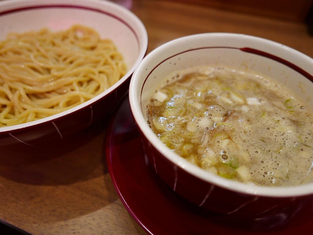 江坂の大人気店が自家製麺と鶏豚骨白湯をひっさげて満を持してオープン! 北区豊崎 「麺処 えぐち」