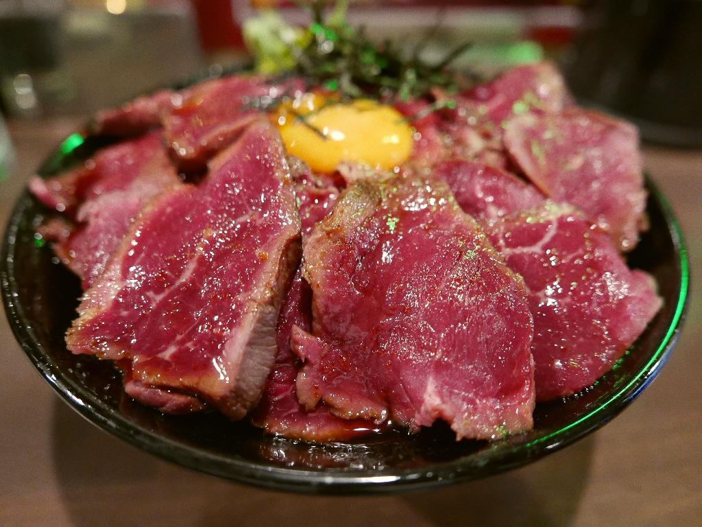 凄まじいボリュームと抜群のコスパのローストビーフ丼! 心斎橋 「CAMEL DINER(キャメルダイナー)」