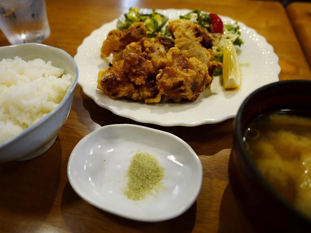 創業45年の老舗喫茶店の名物から揚げは絶品でした! 神戸市東灘区 「喫茶カリーナ」