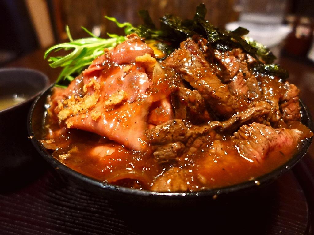 大行列に並ぶ価値がありすぎる超お値打ちのステーキ&ローストビーフの相盛丼! 堺市 「ひだまり庵」