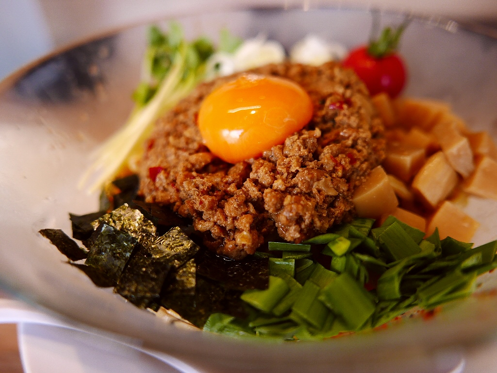 ガツンと濃厚な旨味と辛味が効いた絶品冷やし台湾まぜそば! 尼崎市 「麺やマルショウ 塚口店」