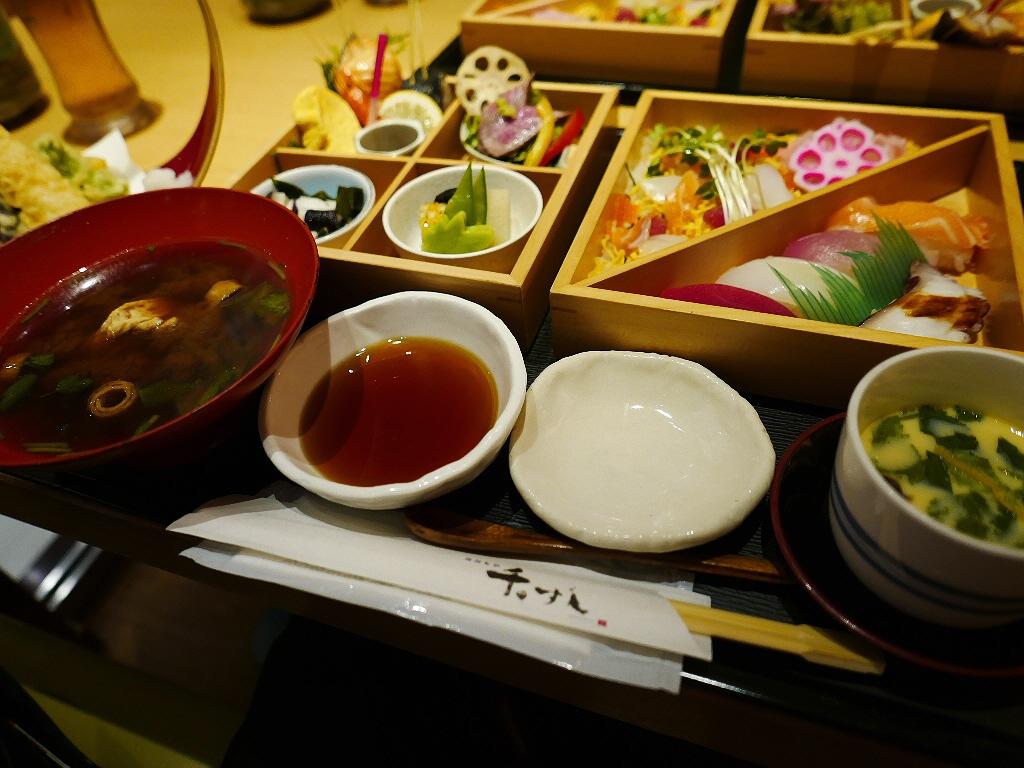 ちょっと贅沢なお寿司ご膳は満足感が高すぎます! 阪急グランドビル 「酒遊旬彩 千のすし」