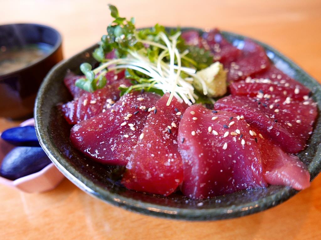 有名ホテル出身の寿司職人さんの本格寿司がリーズナブルいただけるお店のお値打ち丼ランチ! 西区京町堀 「すし左衛門」