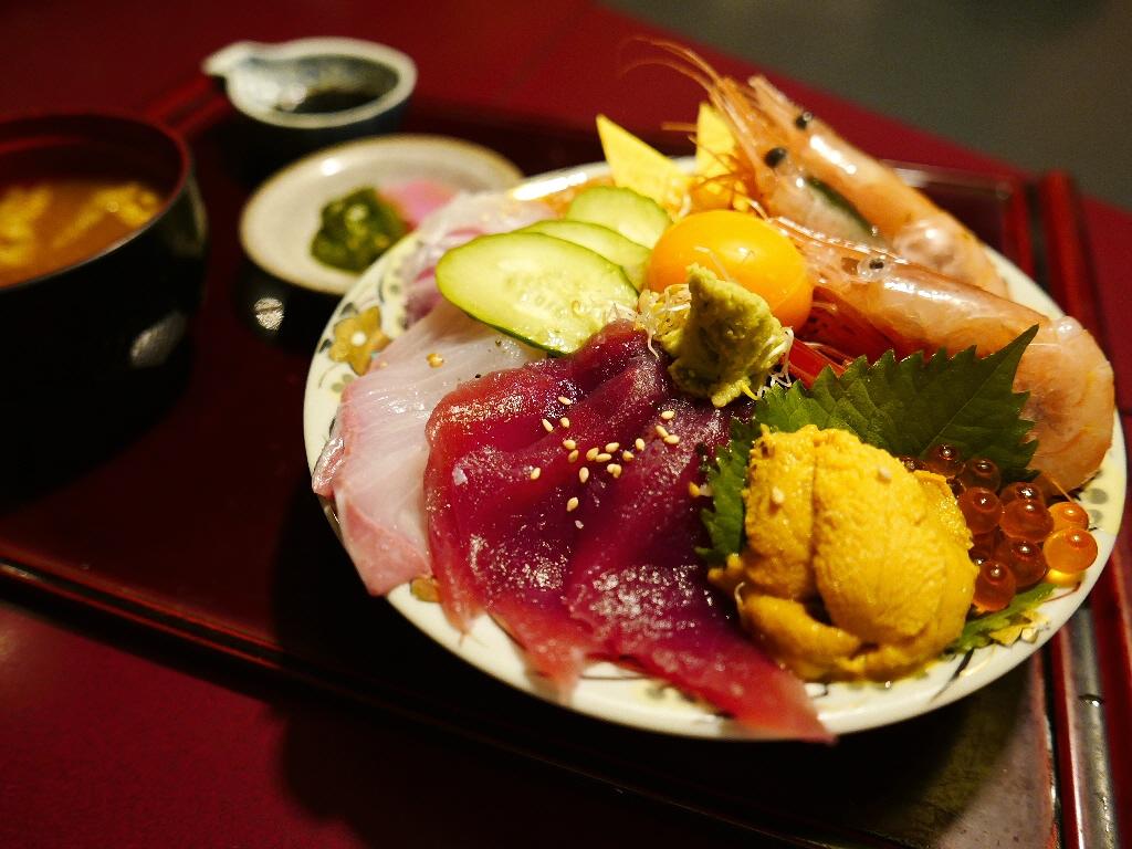 素晴らしいコストパフォーマンスの豪華海鮮丼! 豊中市 「遊食遊膳 笹庵」