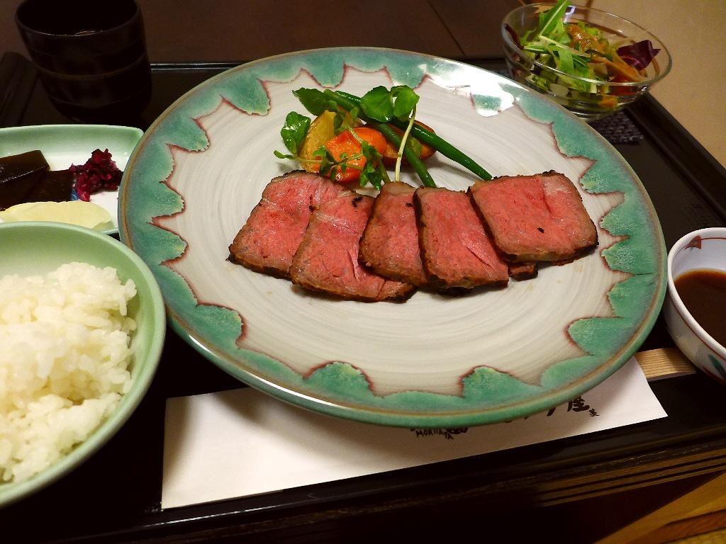 京都の老舗牛肉専門店のローストビーフはさすがの味わいです! 梅田 「モリタ屋 ルクアイーレ店」
