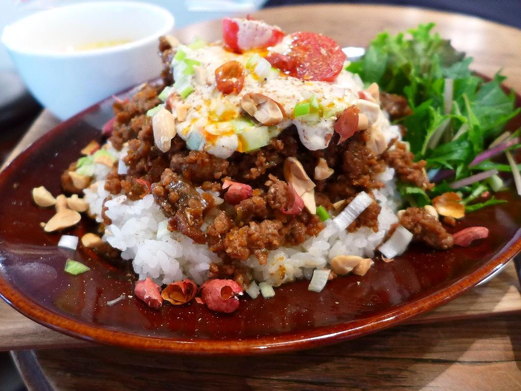 """新ジャンルの""""担々ライス""""は驚きの美味しさです! 西区京町堀 「グローブピッコラ」"""