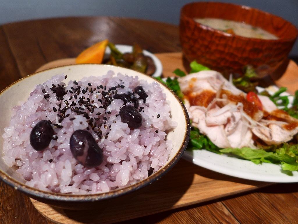 秋限定!びっくりするほど甘くて濃厚な黒枝豆ご飯ランチ! 西区京町堀 「グローブピッコラ」