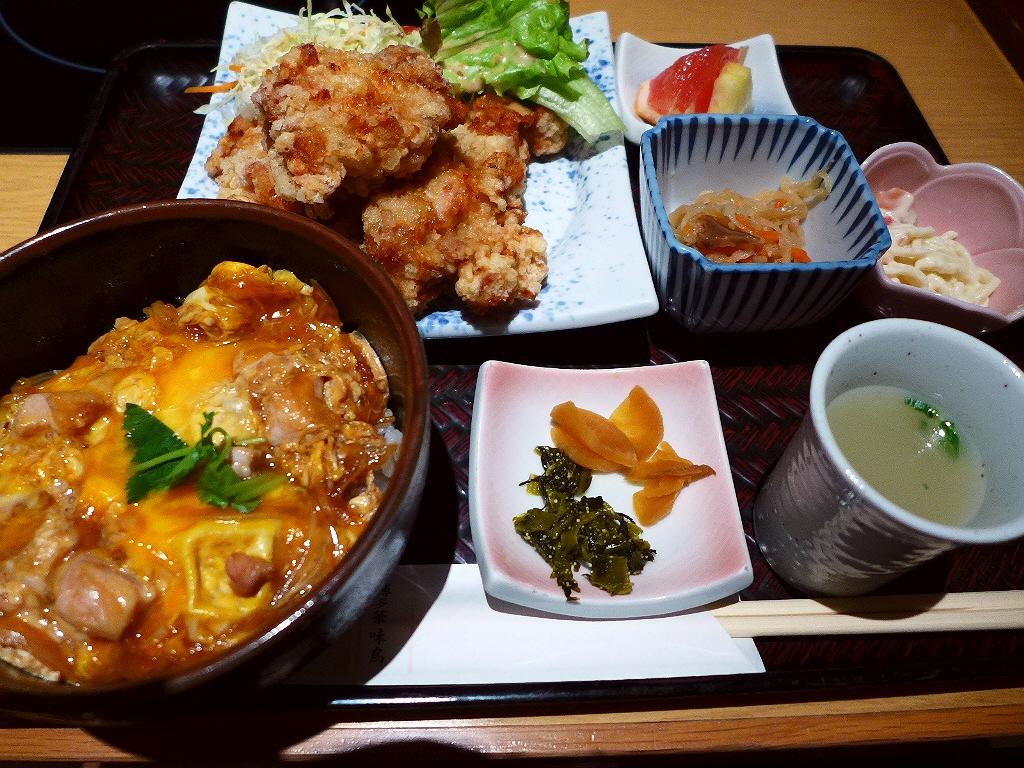 博多水炊き専門店の鶏の唐揚げと親子丼が楽しめるお得なセット! 梅田 「博多華味鳥 梅田店」