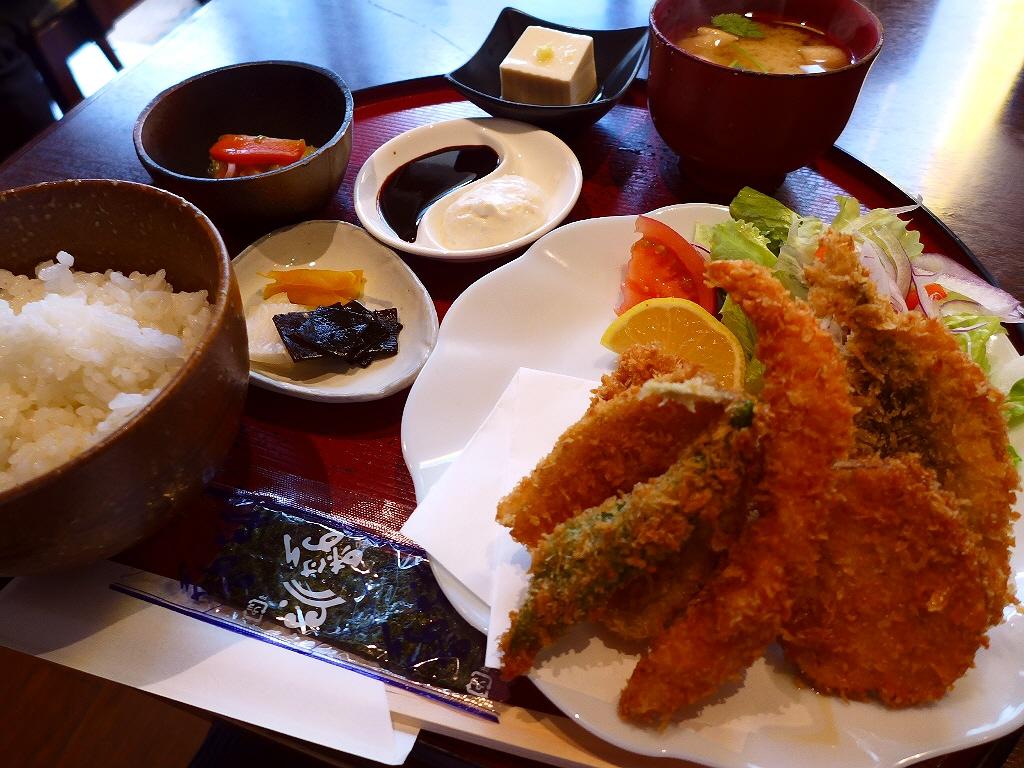 魚好きにはたまらないボリューム満点の満足感が高すぎる定食がいただけます! 江坂 「江坂 銀平」