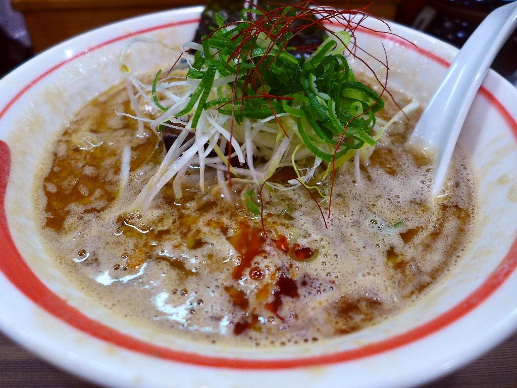 画像2: 本日のランチは新梅田食道街にあるラーメン屋さん「古今亭」に行きました。いつもお世話になっているグルメのSさんから、「Mさんって鶏白湯ラーメン大好きですよね?古今亭の鶏白湯がめちゃくちゃ美味しいので是非一度食べてみてくださ... emunoranchi.com