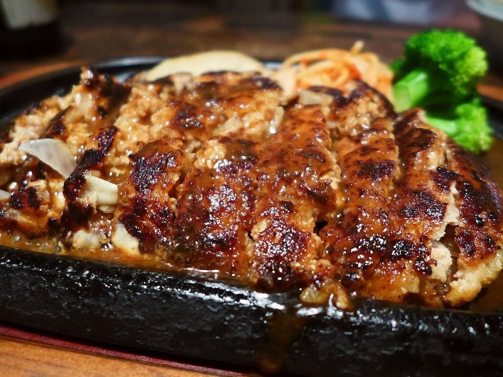 画像2: 本日のランチは桃谷にある洋食屋さん「グリルポッケ」に行きました。何を食べても感動させていただける私の大好きなお店です!今日は朝から夜までびっしり仕事が詰まっていて、ランチタイムに何も食べられなかったので、行ったのは夜です... emunoranchi.com