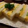 フワフワパンと温かくてプルンプルンの玉子焼きとキュウリとマヨネーズの全てが完璧にマッチした感動的に美味しいタマゴサンド! 京都市東山区 「切通し進々堂」