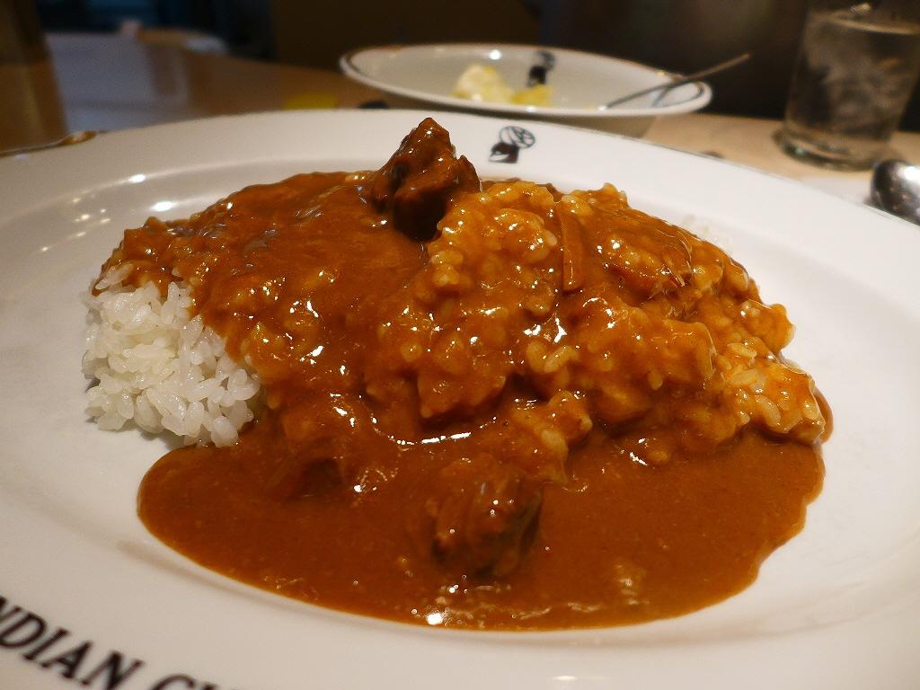 大阪を代表するカレーはいつ食べても何度食べても全くブレることなく美味しすぎます! 阪急三番街 「インデアンカレー 三番街店」