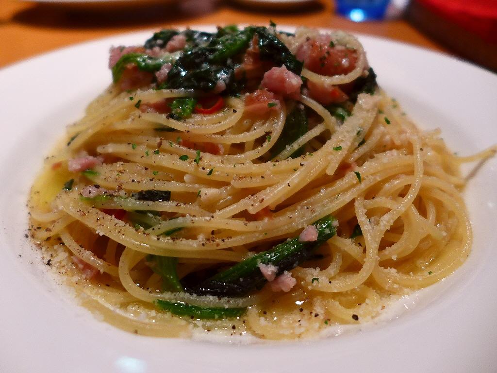 画像2: 本日のランチは梅田のヒルトンプラザ地下2階にあるイタリア料理と肉バルのお店「Italian&Grill フィアマ ロッサ」に行きました。ランチタイムは行列ができる人気のお店に久しぶりに行ってきました!前回行った時とはラン... emunoranchi.com