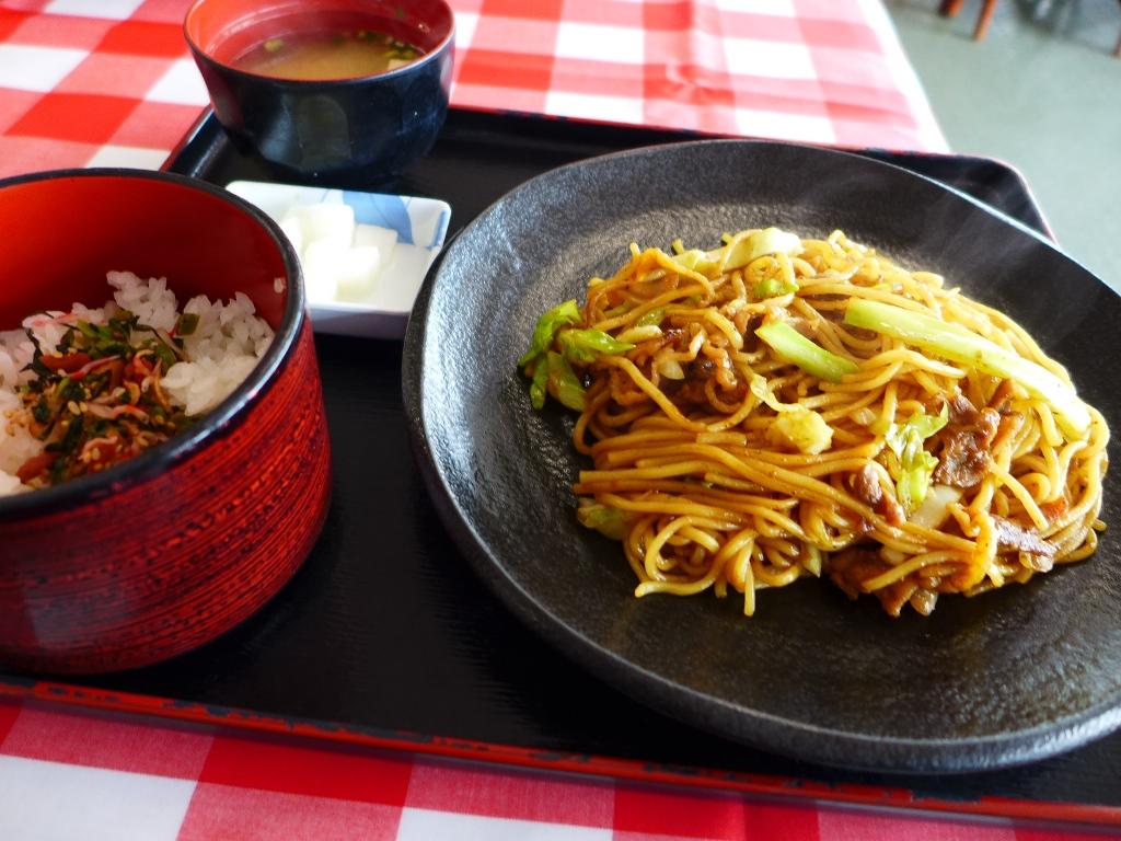 岡山県の蒜山のご当地名物ひるぜん焼そばをいただきました! 蒜山高原センター 「レストラン ファーミー」