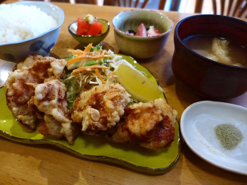画像2: 本日のランチは神戸市東灘区にある喫茶店「喫茶カリーナ」に行きました。福岡県産の美味しい農林水産物が食べられる「めっちゃうま11(いい)店 ふくおか満福ラリー」の参加店です! から揚げが美味しいことで有名な老舗喫... emunoranchi.com