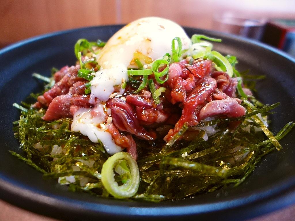 裏なんばの名焼き肉店プロデュースの肉丼専門店がオープン! 日本橋 「肉丼専門 富士晃 別亭」