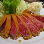 近江牛を使った贅沢な牛カツは甘くて高級感あふれる味わいです! 上本町 「牛かつ 勝昌。」