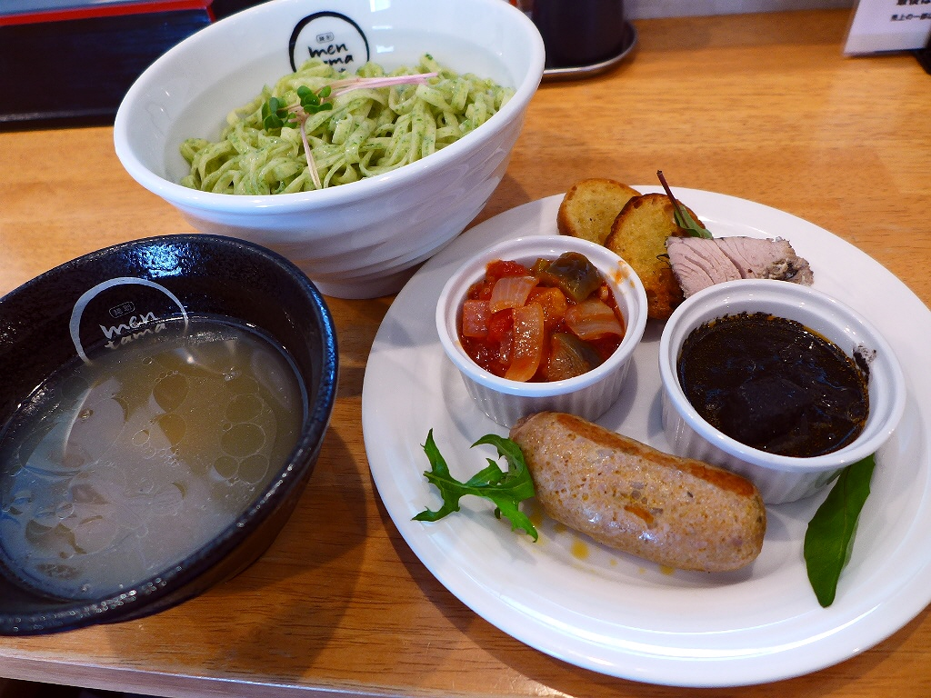 画像2: 本日のランチは北区中崎西にあるラーメン屋さん「麺創 麺魂 中崎西店」に行きました。大阪の麺料理のスタンプラリー「大阪好っきゃ麺」の過去参加店3店舗による同窓会コラボが、本日1日限りで開催されました!東淀川区のカフェ「f-... emunoranchi.com